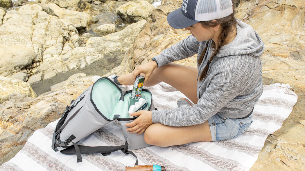 pelican-soft-ice-drink-cooler-backpack